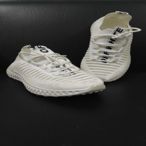 Fashionable white Shoes for Ladies