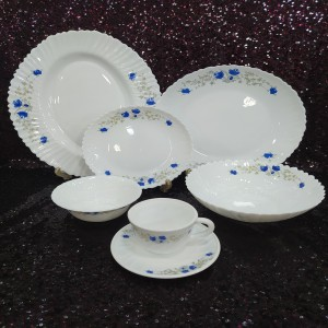 32 Pcs Pyrex Opal Glassware White Oven Save Dinner Set